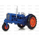 Tractor /16 Scale UNIVERSAL HOBBIES Fordson Super Major Row Crop