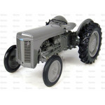 Tractor 1/16 Scale UNIVERSAL HOBBIES Massey Ferguson TEA20