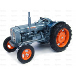 Tractor 1/32 Scale UNIVERSAL HOBBIES Fordson Super Major